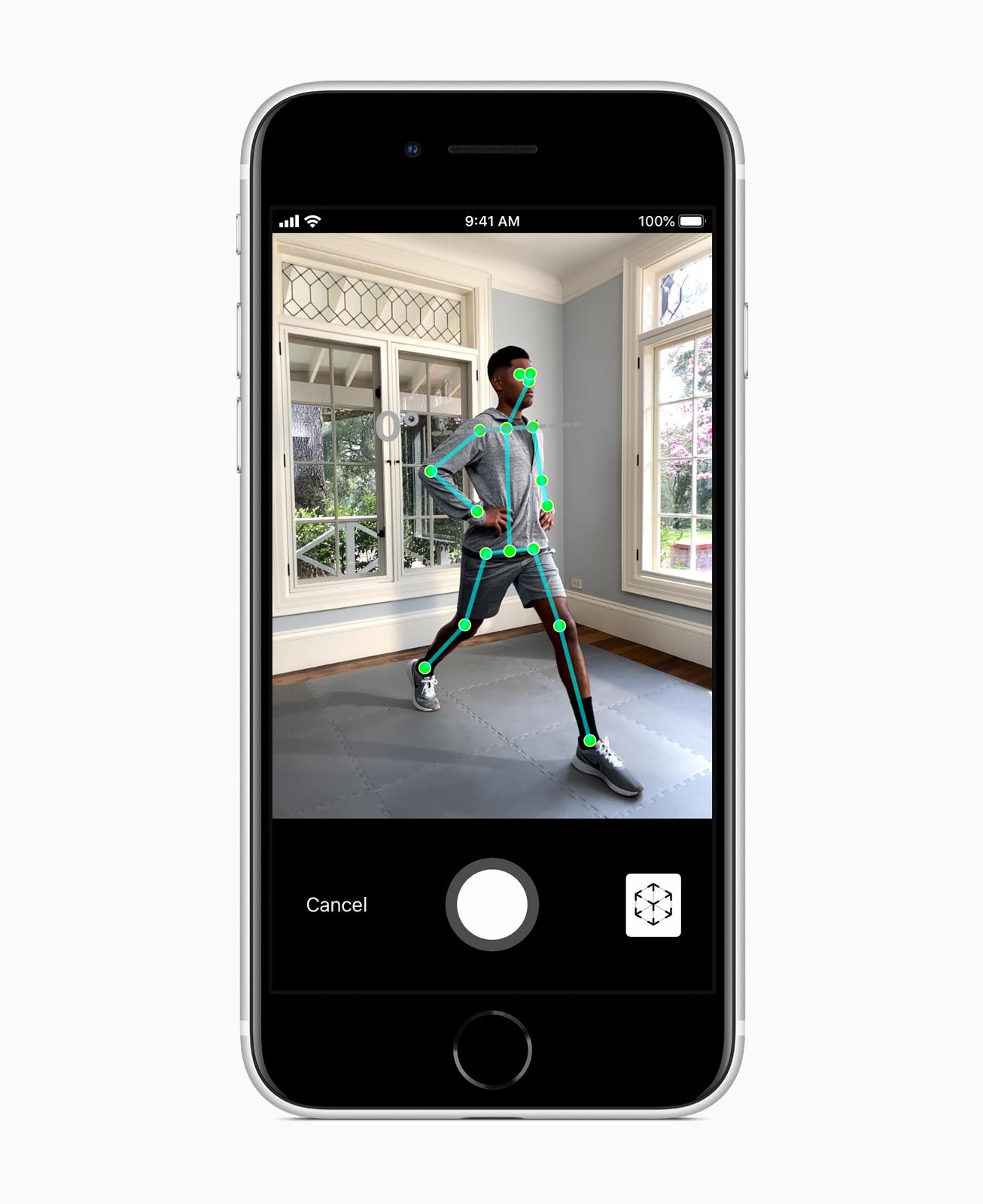Apple_new-iphone-se-ar-screen_04152020_carousel.jpg.large_2x